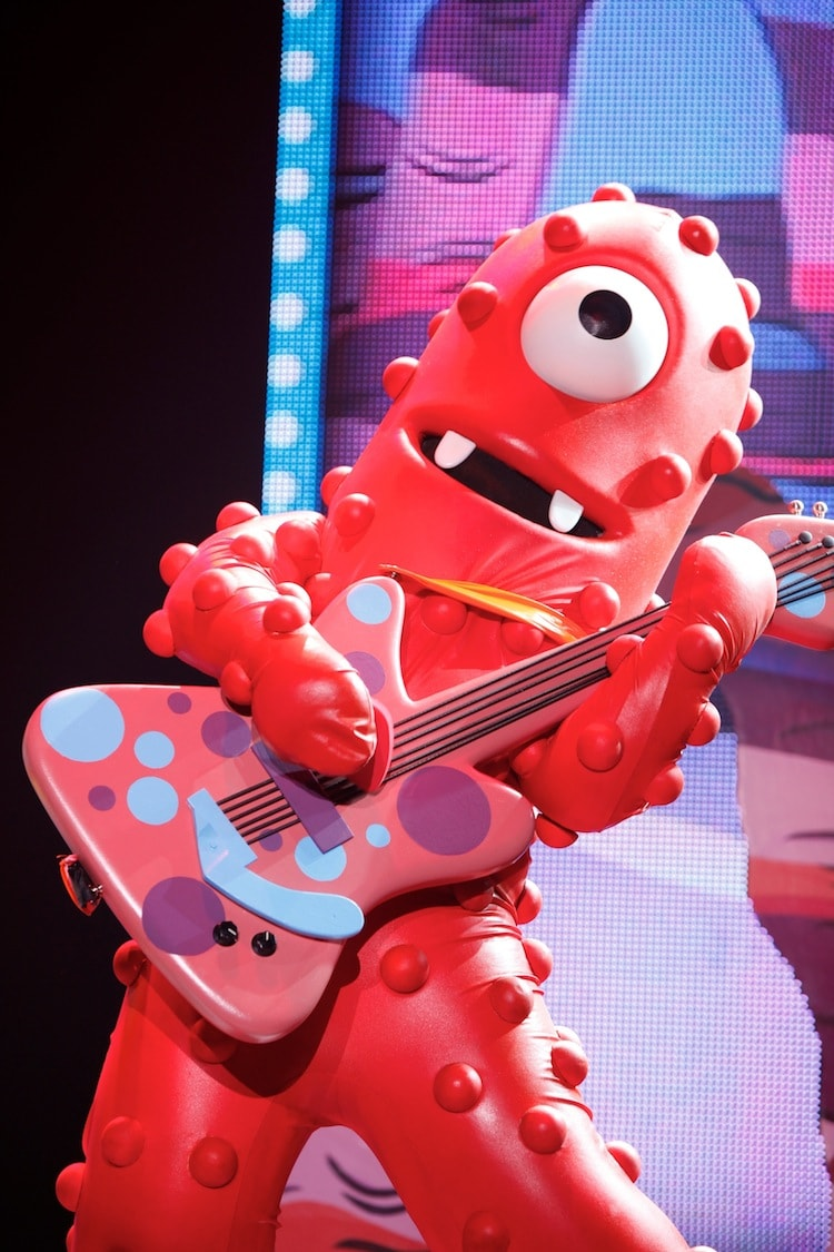 Yo Gabba Gabba-Muno Guitar - Lady and the Blog