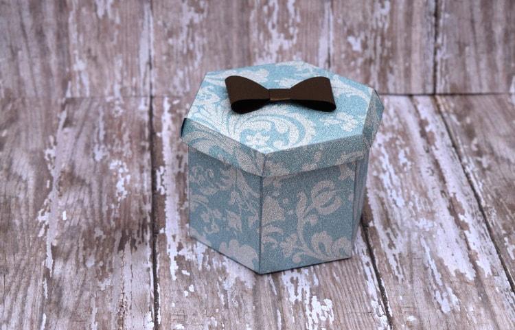 How To: Christmas Bow Box Cricut Tutorial