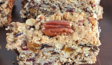 Make Your Own Oatmeal Cookie Fruit and Nut Bars! Easy Recipe Here