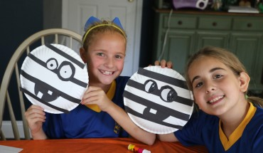 Easy Halloween Mummy Craft For Kids: Paper Plate Fun!