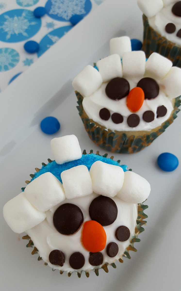 Snowman Cupcakes Recipe: Fun For Kids!