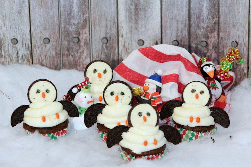 Penguin Cupcakes: So Fun For Winter!