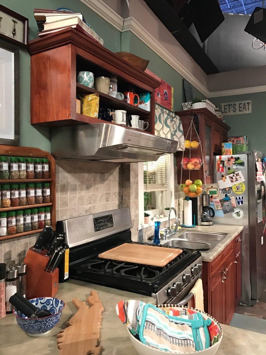 Kevin Can Wait Kitchen Set