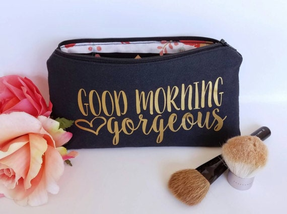 Beauty Gift: Chic Makeup Bag