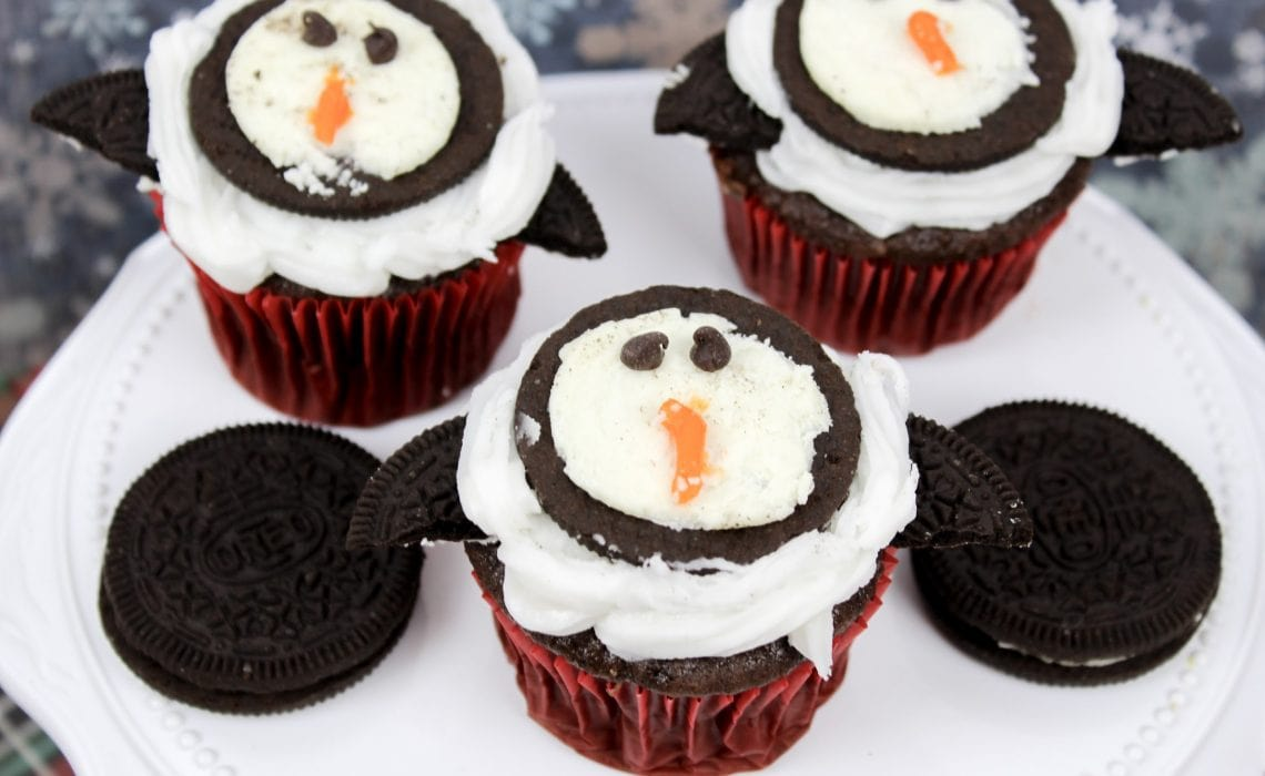 How To Decorate Penguin Cupcakes: Winter Treat